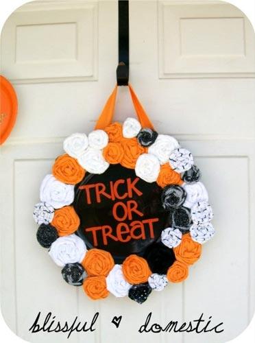 Couronne pour porte d'entrée Trick or Treat