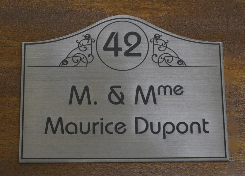 photos d 39 exemples de plaques de boite aux lettres tgl. Black Bedroom Furniture Sets. Home Design Ideas