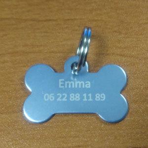 Médaille chien en forme d'os en alu argent