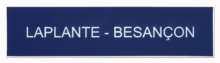 Plaque boite aux lettres avec deux noms de famille