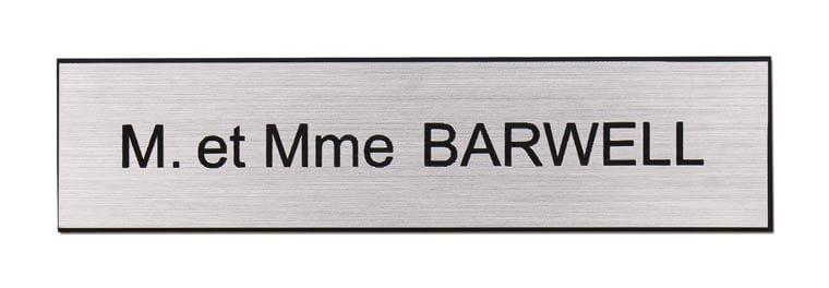 Plaque nom boite aux lettres avec inscription Monsieur et Madame