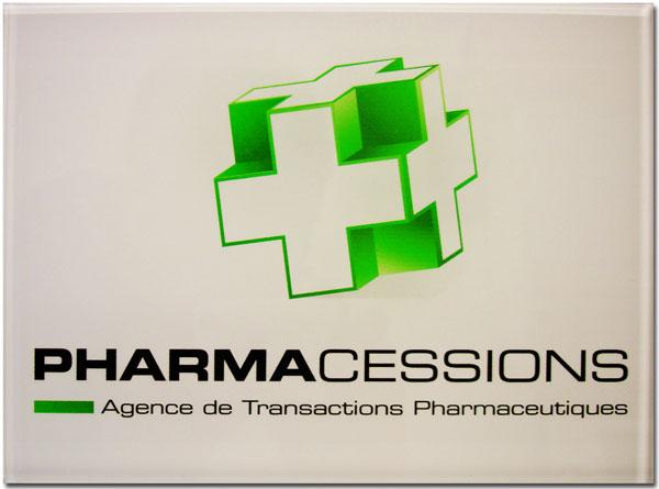 Photo de plaque pharmacie avec logo couleur