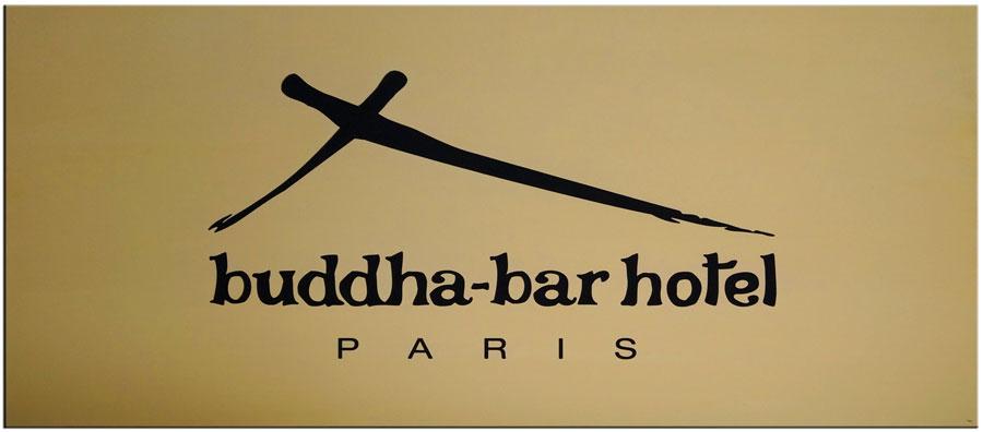 Plaque professionnelle laiton pour un hôtel avec gravure du logo